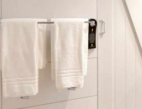 Infohanger hotel badkamer